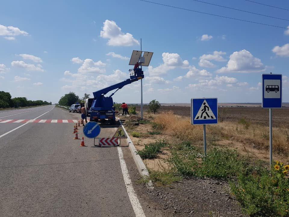 В Одесской области устанавливают автономную систему освещения, фото-1