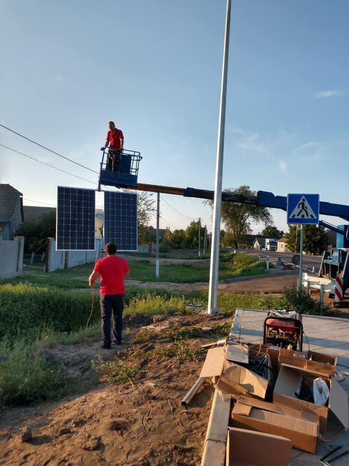 В Одесской области устанавливают автономную систему освещения, фото-3