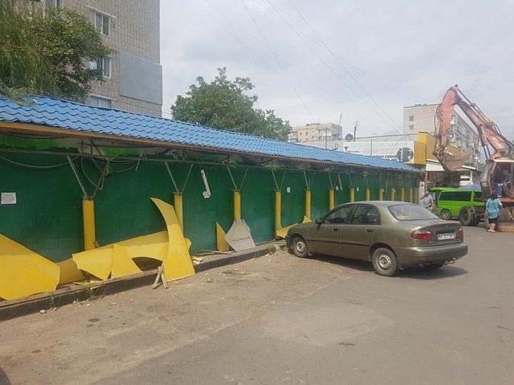 В Черноморске на «Вечернем» рынке снесут павильоны (+видео), фото-8