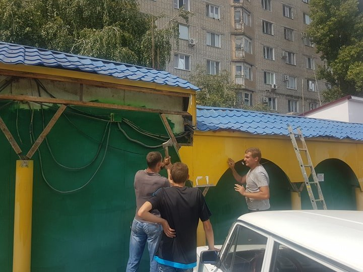 В Черноморске на «Вечернем» рынке снесут павильоны (+видео), фото-1