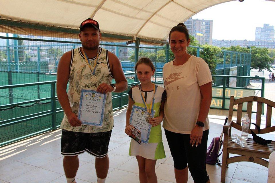 В черноморском «Elite Tennis Club» прошел семейный турнир, фото-1