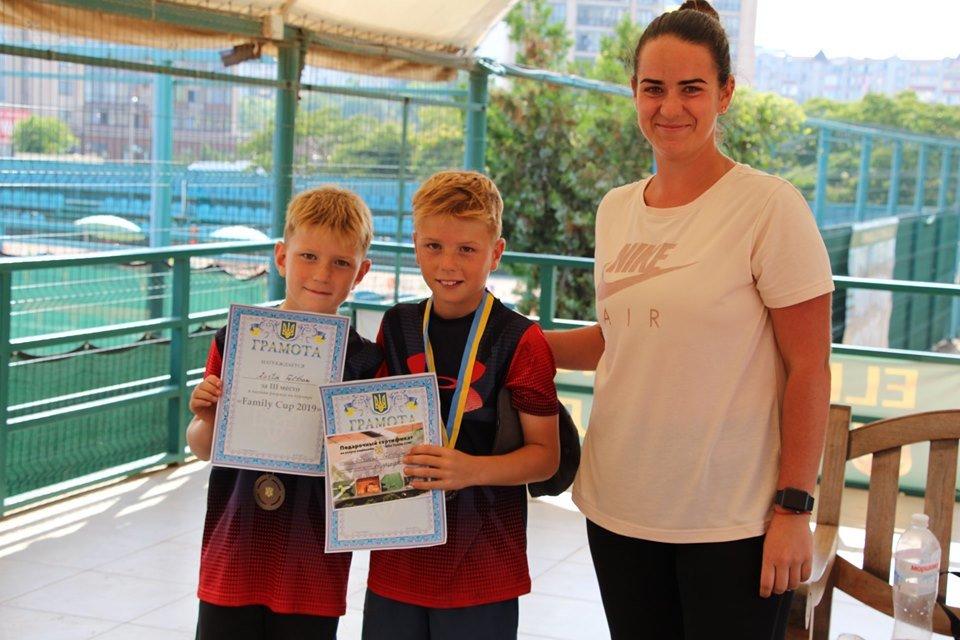 В черноморском «Elite Tennis Club» прошел семейный турнир, фото-2