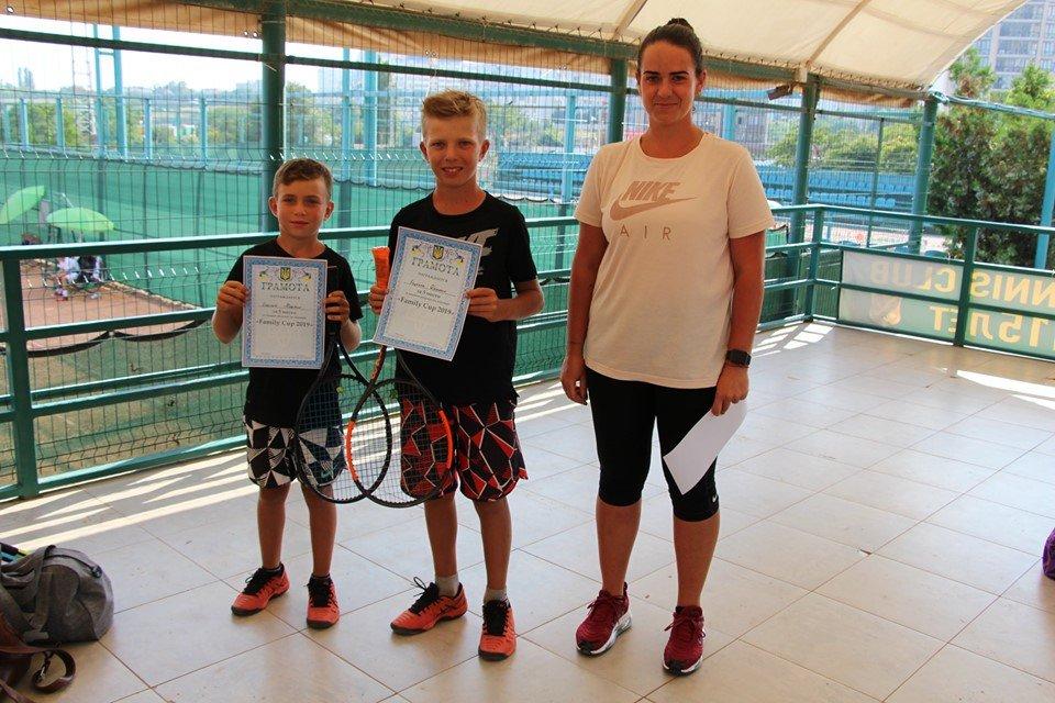 В черноморском «Elite Tennis Club» прошел семейный турнир, фото-3