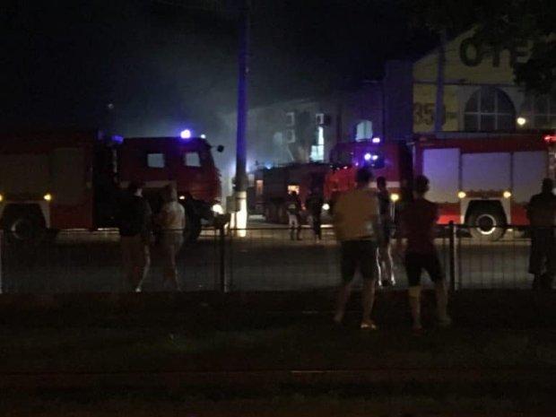 Пожар в гостинице «Токио Стар» в Одессе: подробности, фото-1