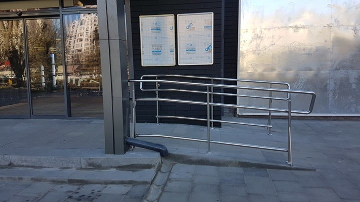 В Черноморске заменили разбитую плитку у памятника Алексею Данченко, фото-4