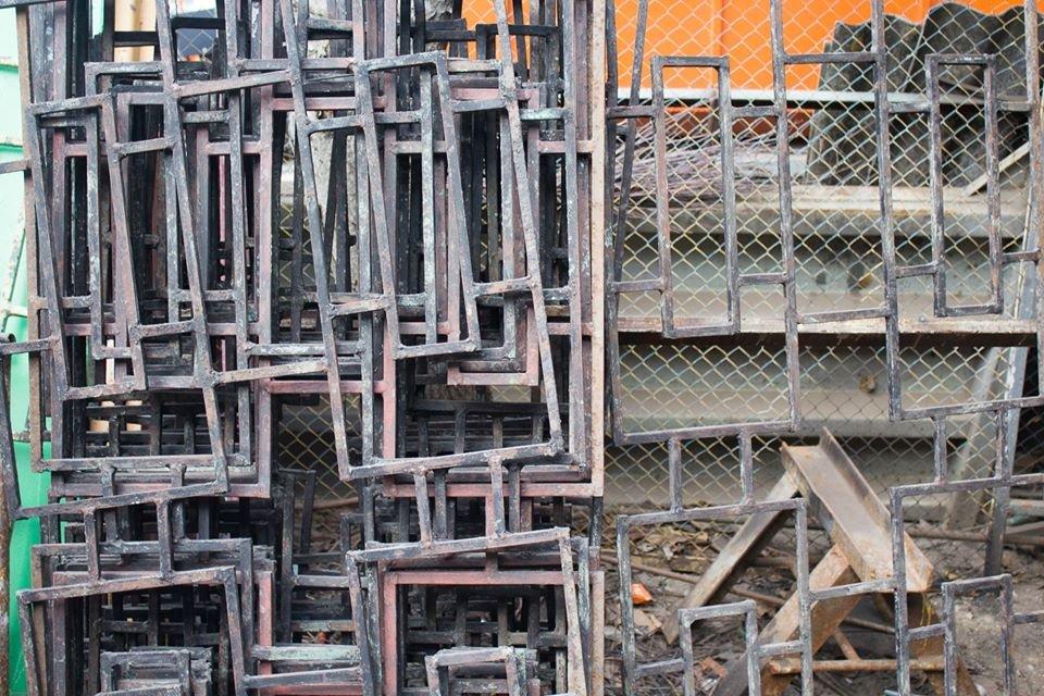 В Черноморске заменены металлические секции ограждений, фото-3