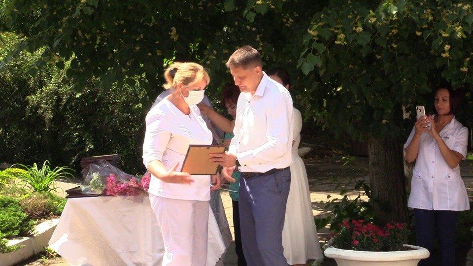 В Черноморскую больницу привезли новые аппараты ИВЛ (видео), фото-2