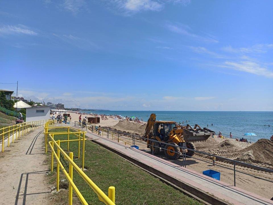 Безбарьерный пляж: в Черноморске искупаться в море сможет каждый, фото-2