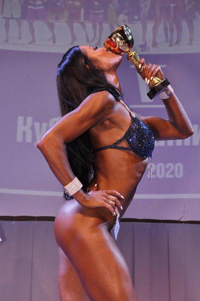Жительница Черноморска – абсолютная чемпионка Украины в категории фитнес-бикини, фото-4
