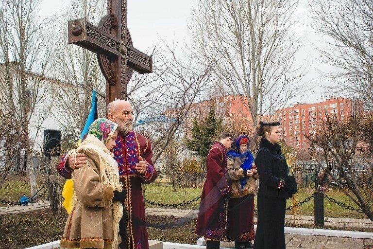 «Зажги свечу памяти»: по случаю годовщины голодомора в Черноморске пройдут траурные мероприятия, фото-1
