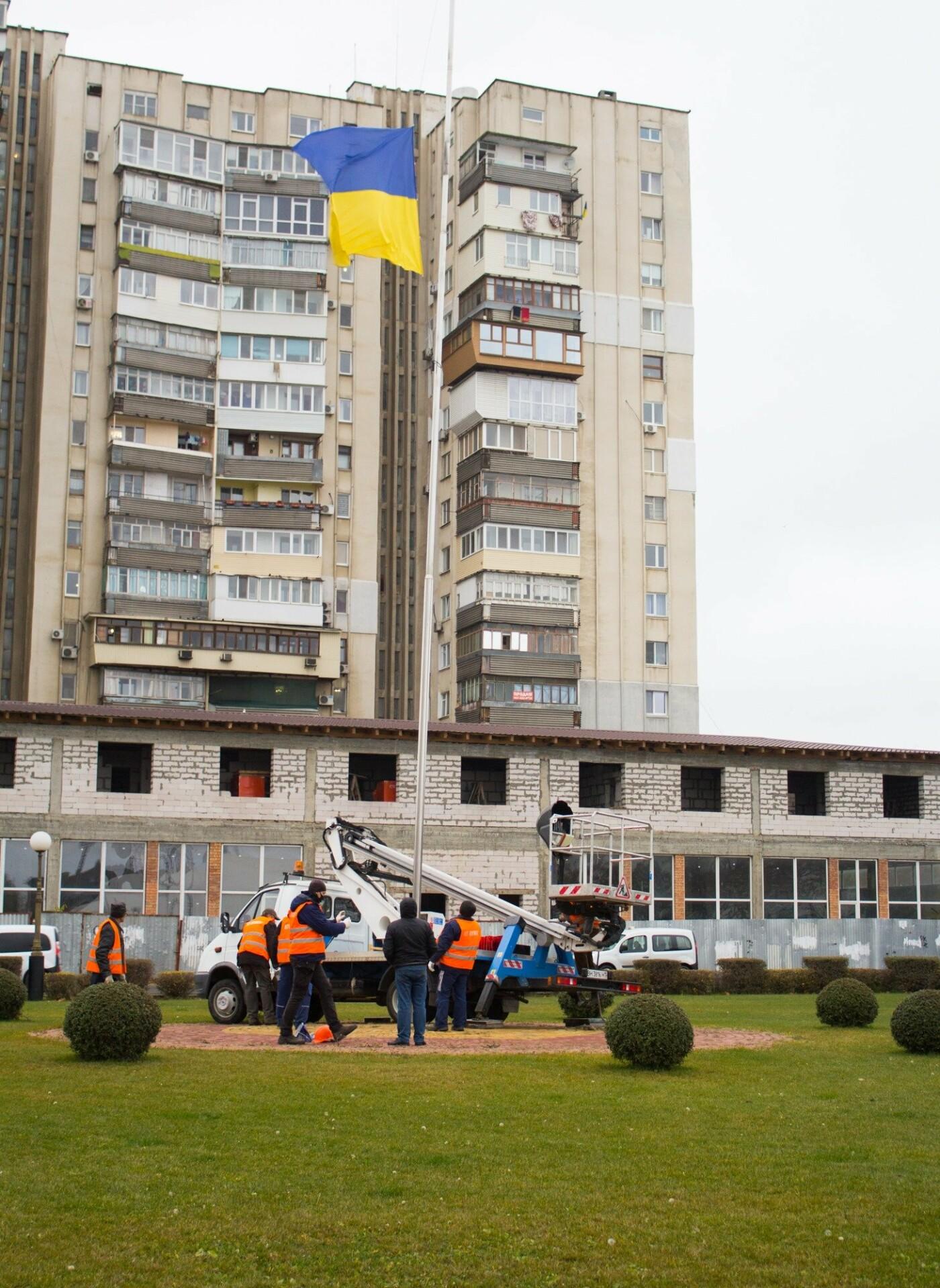 Повреждён флагшток в Черноморске: отремонтируют и снова установят, фото-2