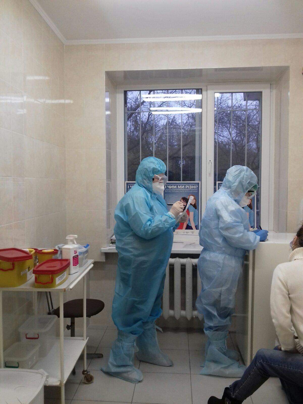 В Черноморске работают мобильные бригады для забора биоматериалов для ПЦР на коронавирус, фото-3