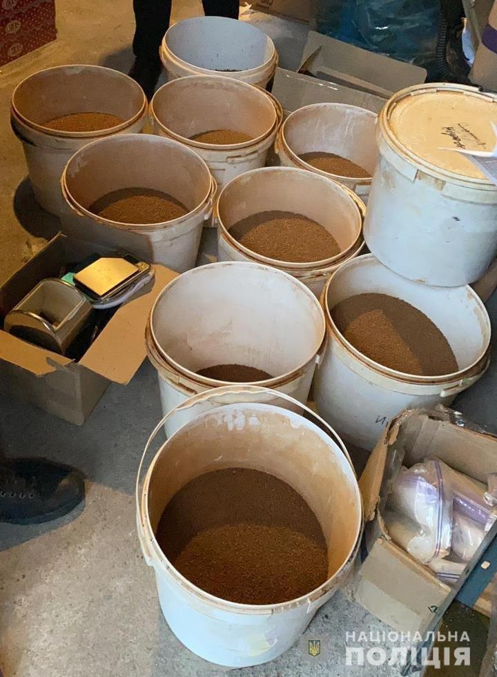 Продукция изъята: одессит вместо дорогих марок продавал поддельный кофе (видео), фото-2