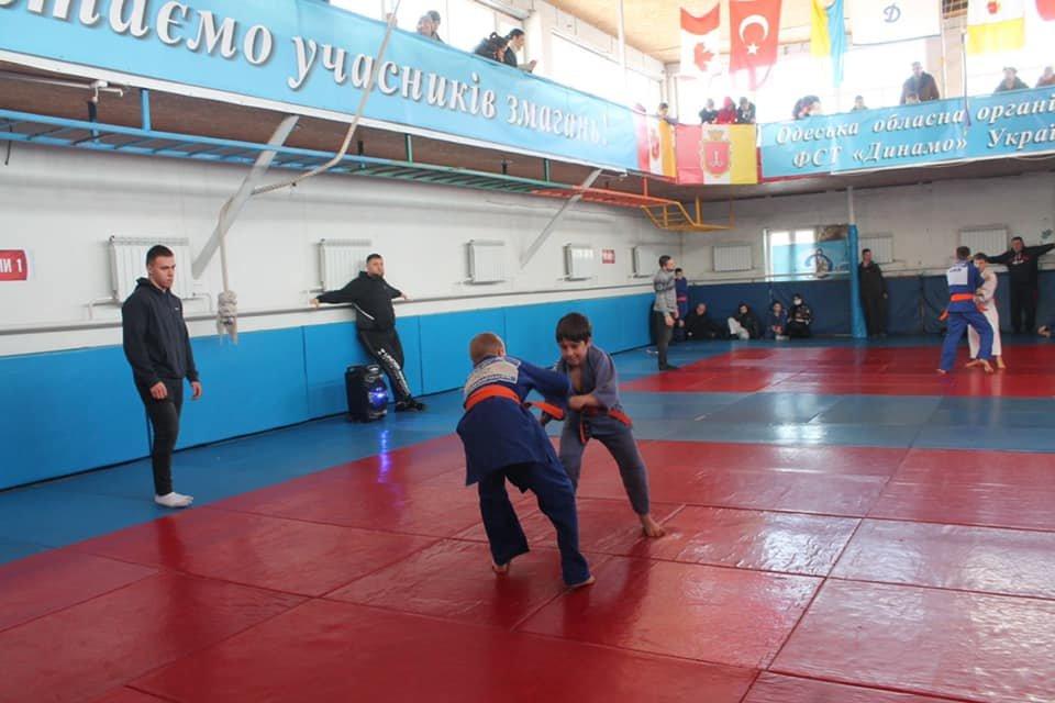 Юные дзюдоисты из Черноморска завоевали лидирующие позиции на турнире, фото-1