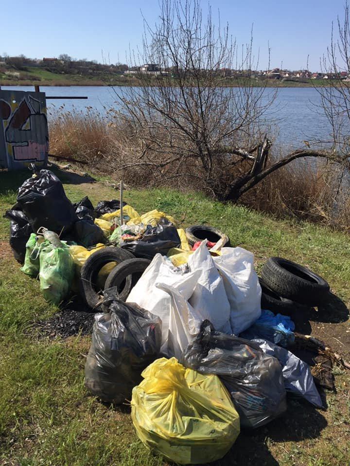 Под Черноморском очистили территорию от мусора, фото-1