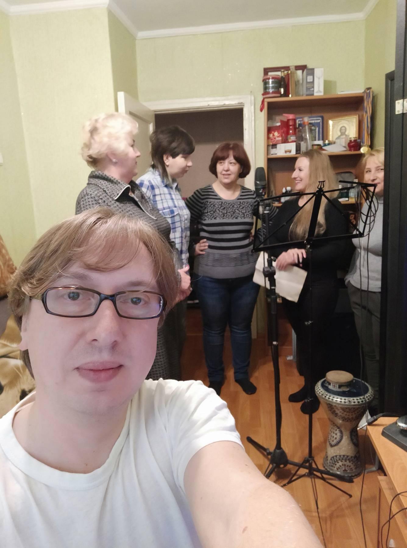 Хор в Черноморске дистанционно подготовил новый хит, фото-1